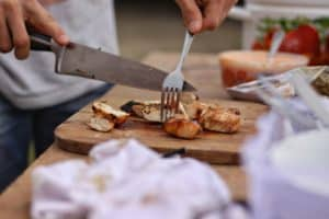 What kitchen knives do I need?  Chef's knife. will be the best kitchen knife set item