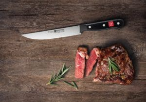 What kitchen knives do I need? Carving knife Ideal for cutting meat into nice slices