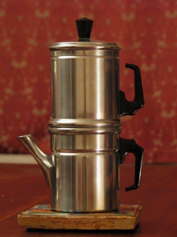 Neapolitan flip coffee pot
