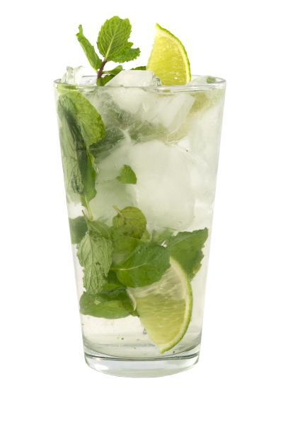 mojito cocktail mixed drink